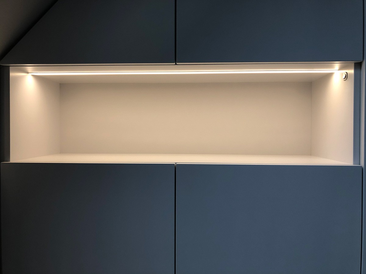 Dachschraegenschrank-led-Beleuchtung