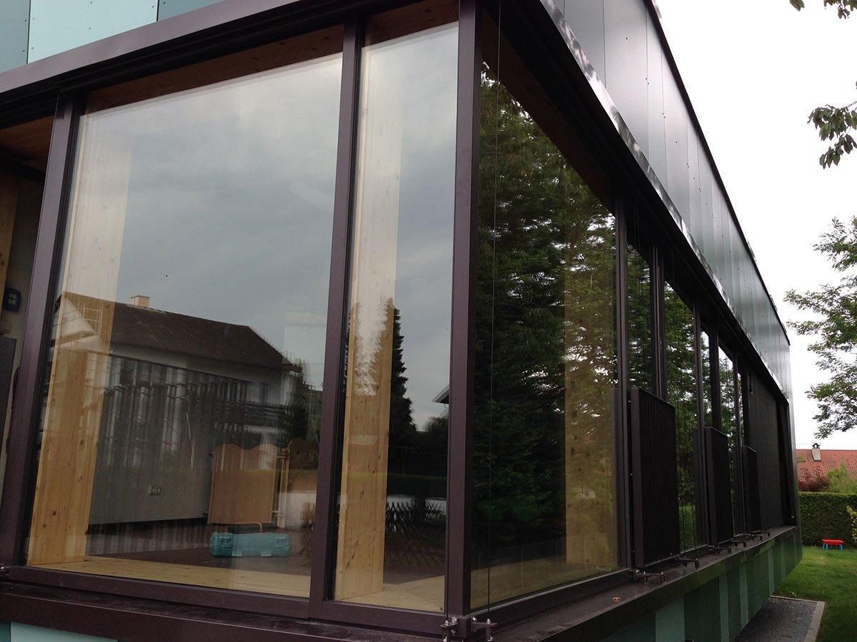 Fensterelemente-braun