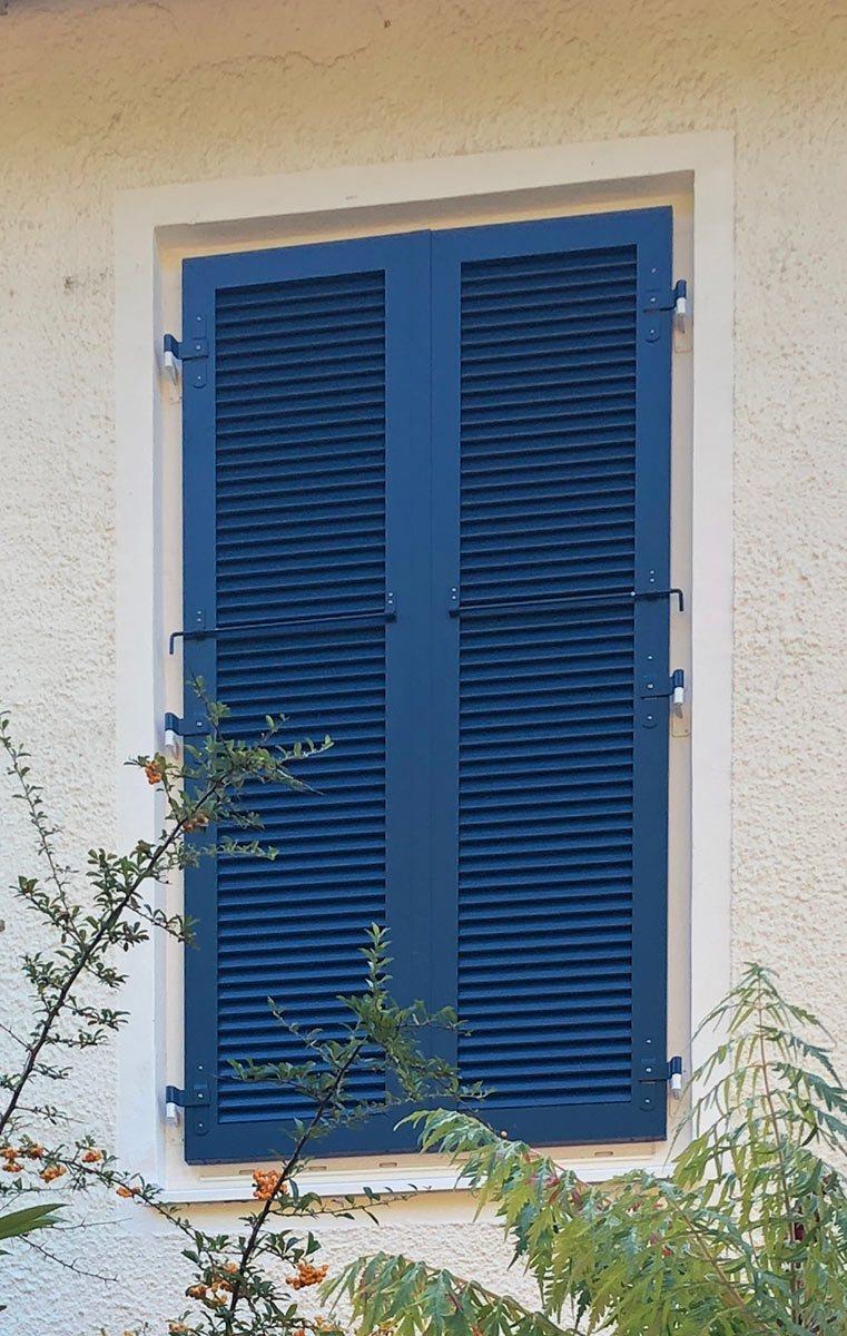 Fensterladen-blau