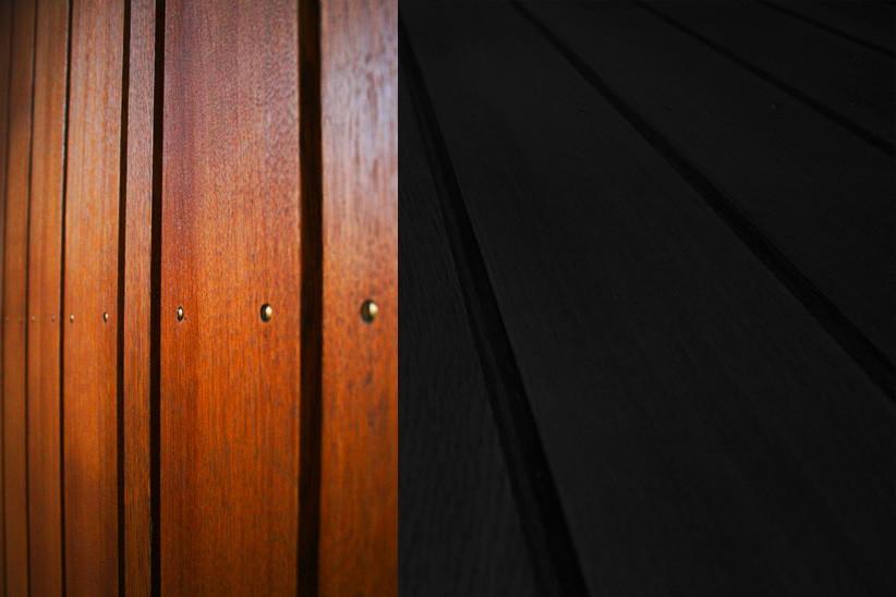 Massivholzverkleidung-aus-Eiche-auf-Tuerblatt