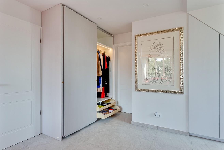 Kleiderschrank-weiss