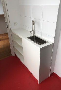 tiny-kitchen-mit-becken