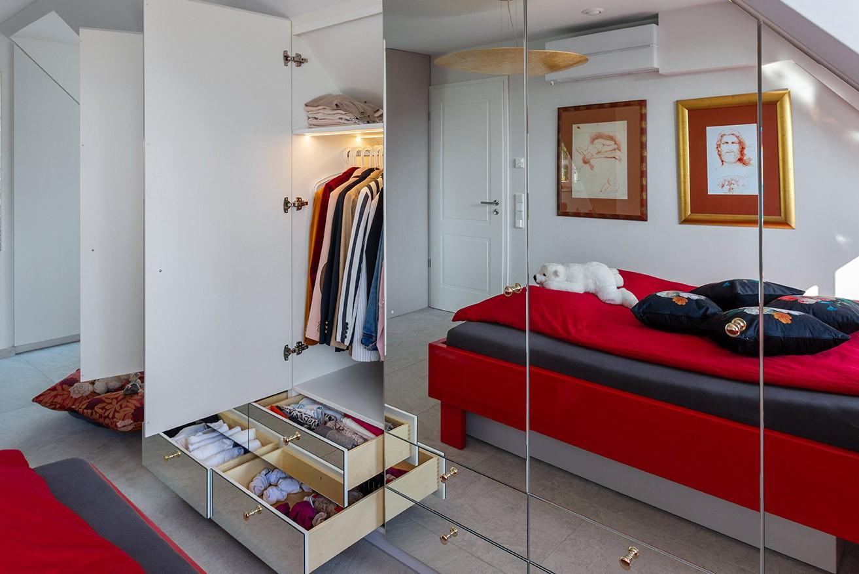 Dachschraegenschrank-Schlafzimmer